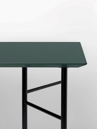 Ferm Living Tisch in Grün, 135 cm (div. Beinfarben)
