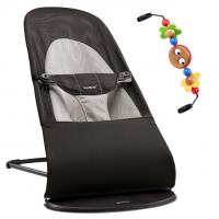 BabyBjörn Babywippe, Balance Soft Mesh, Schwarz / Grau mit Spielzeug