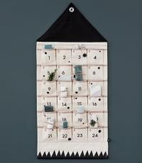 Ferm Living Adventskalender mit 24 Taschen