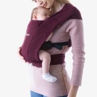 Ergobaby Embrace Babytrage, Burgundy